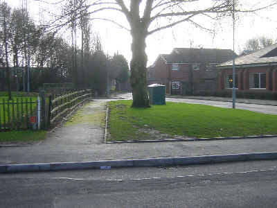 Roman Road, Hollinwood